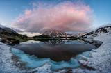 'Вулканът' Тодорка се оглежда във водите на Муратово езеро ; comments:69