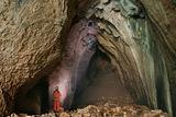 Малкият човек и голямата пещера ; comments:45