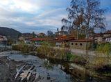 Поглед от моста на Жълтешка река към църквата Св.Иван Рилски в кв.Бичкиня ; comments:27