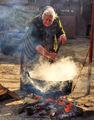 Баба Василка в акция....за топене на свинска мас. ; comments:62