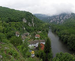 Поглед към Черепишкия манастир ; comments:21