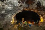 Свещенодействия на входа на пещерата ; Comments:16