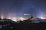 Там, където земята среща небето... ; Comments:8