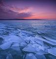 Стъкленото езеро ; Comments:14