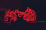 Танцът . ; comments:3