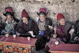 Тибетски жени на седянка ; comments:20