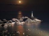 Луната и фара ; comments:14