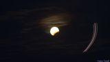 Лунно затъмнение и самолет ; Comments:1