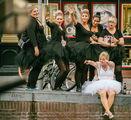 Сватба по Амстердамски ; Comments:11