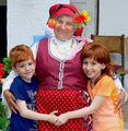 Баба, с две внучета близначета ; comments:11