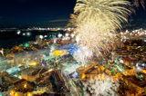 Русенци посрещат Новата година ; comments:6