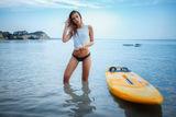 Момичето със сърфа ; comments:8
