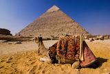 Просто обикновен ден над пирамидите в Гиза ; comments:11