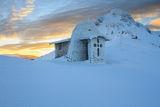 Параклис ,,Света Троица'' в подножието на връх Юмрука по изгрев ; comments:11