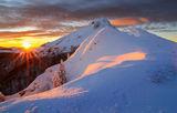 Магията на изгрева - връх Юмрука, х.Ехо ; comments:48