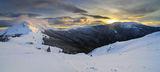 Панорама от хижа Ехо по залез с върховете Вежен и Юмрука ; comments:32