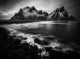 Черните хълмове и вълните ; comments:6