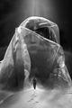 Миражите са близо, — пътя е далек:  защото тя стои в сияние пред мене,  стои, ала не чуе, кой зове и стене, —  тя — плът и призрак лек! ; comments:4