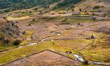 Селски планински пейзаж в Fundatura Ponorului, Румъния ; No comments