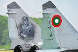 Поручик Неделчо Бончев на левия вертикален стабилизатор на МиГ-29 - още една мечта по малко! ; comments:11