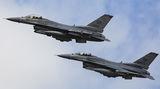 F-16 от USAF компонентата в Европа ; comments:7