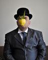 Автопортретна снимка в стил Рене Магрит ; comments:4