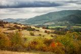 """"""" Дойде ли есен, не ходете в бижутерията, за да видите злато. Отидете в планината """" ; comments:6"""