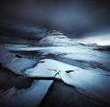Познатата планина Kirkjufell при минус - 11 градуса ; comments:16