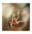 Анна-Валерия левитира с балони ; comments:5