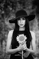 Момиче със слънчоглед ; comments:18